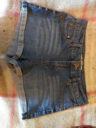 Pair of Shorts Size 8R