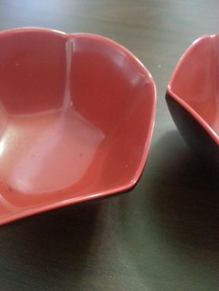 Pair individual sauce bowls