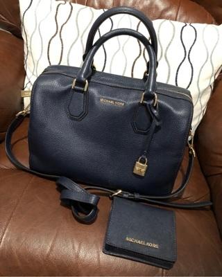 Michael kors like new purse satchel handbag matching wallet navy blue gold