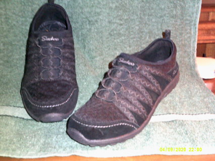 Worn once,jet black,SKECHERS RELAXED FIT AIR COOLED SNEAKERS,SIZE 7 1/2 WOMENS