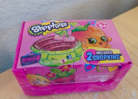 FREE Season 4 Shopkins Random 2 Pack Crate Look For Limited Edition NEW