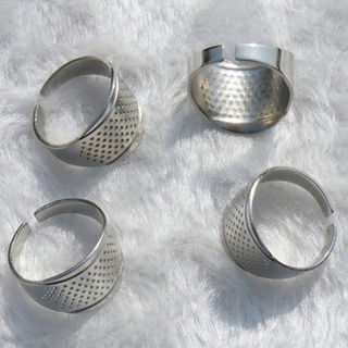 [GIN FOR FREE SHIPPING] 5PCS Adjustable Size Ring Finger Thimbles Sewing