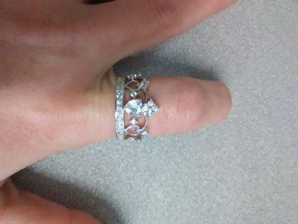 Sz 8 Crown Style Sweetheart Ring