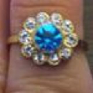 NEW BLUE DIAMOND SURROUNDED BY DIAMONDS