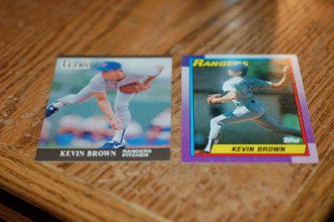 Set of 2 Texas Rangers Kevin Brown Baseball Cards