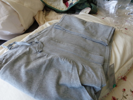 XL CAPRI PANTS