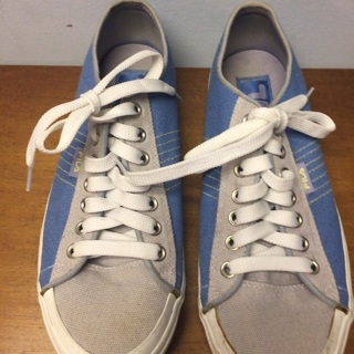 FILA  Size 9 Ladies Tennis Shoes