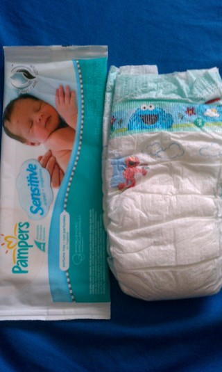 Free Pampers Baby Dry Diaper And Wipes Samples Free