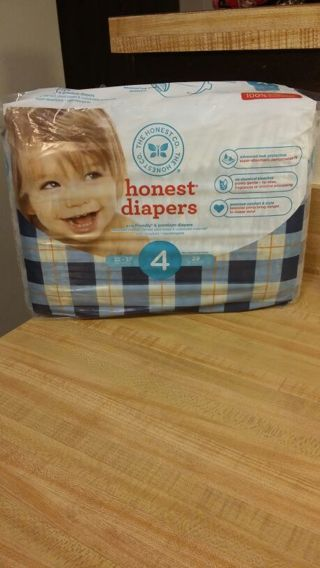 """♡~ BNIP - """" HONEST DIAPERS """" SIZE 4 > 29 IN THE PACKAGE ~ ECO-FRIENDLY } PREMIUM DIAPERS ~ ♡"""
