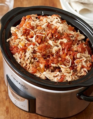 ♦ (New) Crockpot Salsa Chicken Recipe ♦