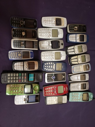 Huge Mixed Lot of 24 Used NON-Tested Mobile Cell Phones