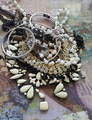 ❤️Misc. Broken jewelry lot, for parts, repair, craft etc. Rhinestones, turtle charm, nice ❤️