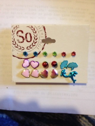So Heritage earrings 9 pairs BNIP!!!!! Take a look!!!!!$16.00 retail value