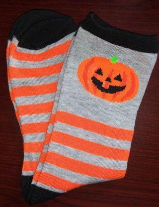 BN Ladies Crew Cut Halloween Socks