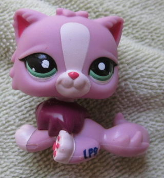 Littlest Pet Shop Raspberry Pink Persian Cat