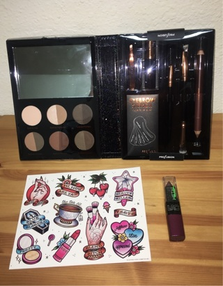 Small Beauty Bundle + LIMITED EDITION JEFFREE STAR STICKERS