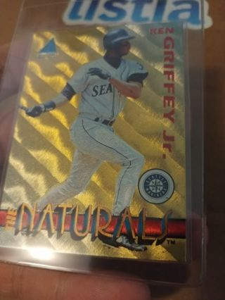 """THE KID"" KEN GRIFFEY JR⭐SEATTLE MARINERS⭐1994 PINNACLE⭐INSERT ""THE NATURALS""⭐FREE $HIPPING"