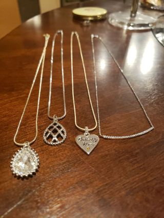 Stunning 4 piece necklace lot