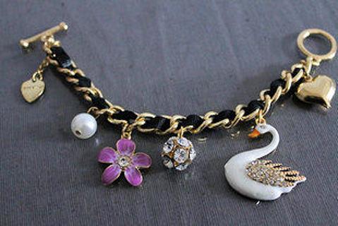 Betsey Johnson Beautiful swan and flower pendant bracelet NEW