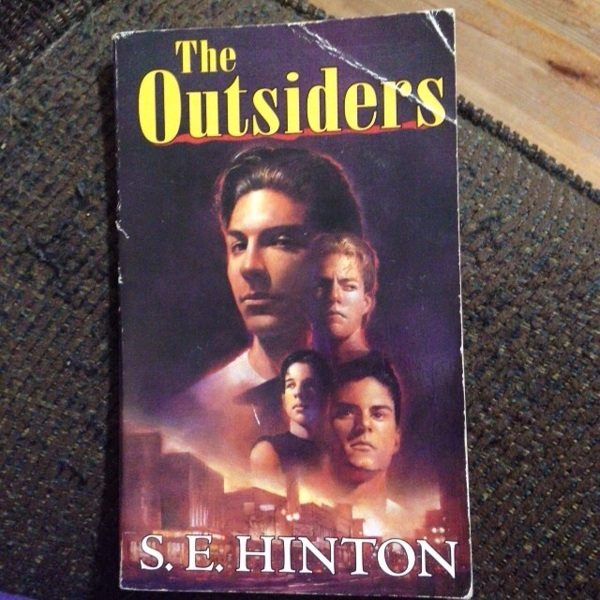 title the outsiders by se hinton