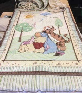 Winnie the Pooh & friends 4 piece crib set