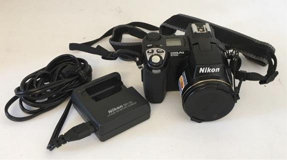 Nikon Coolpix 5700 5MP Digital Camera w/ 8x Optical Zoom