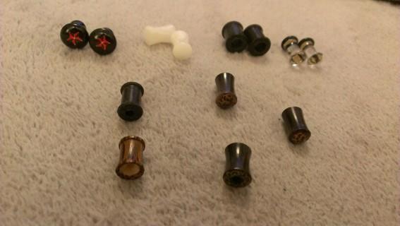 Lot of body jewelry earplugs flesh tunnel topic hot glass plastic stone 4 gauge 2 6 star