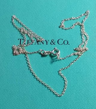 STERLING SILVER CHAIN 16.5 INCHES MADE IN ITALY BEAUTIFUL CHAIN AND IS BRAND NEW.