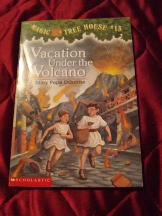 Used Magic Tree House Book Vacation Under the Volcano