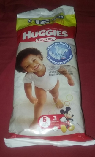 HUGGIES Snug & Dry Diapers, Size 5 27 Pound + 3 Count Mickey Mouse Leak Lock