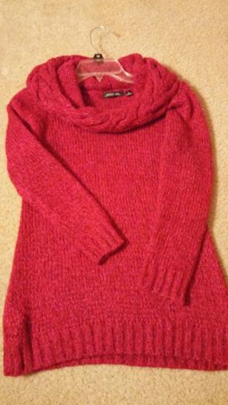 Woman's sweater!! Size small