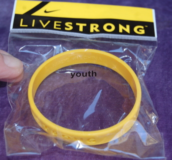 Livestrong Bracelet New In The Pckg Sz Youth Small Womens Nike Sponsored