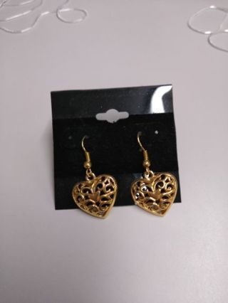 2 PAIR OF GOLDTONE EARRINGS (FREE SHIPPING)