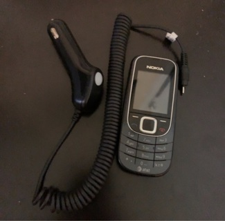 Vintage Nokia AT&T Cell Phone, Car Charger, Works Perfectly(read entire listing)
