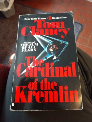 The Cardinal of the Kremlin by Tom Clancy (paperback)