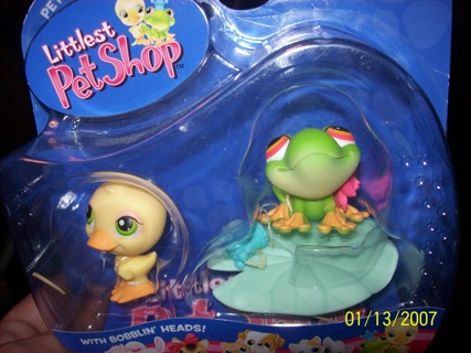 Littlest Pet Shop Adorable Frog and Duckie