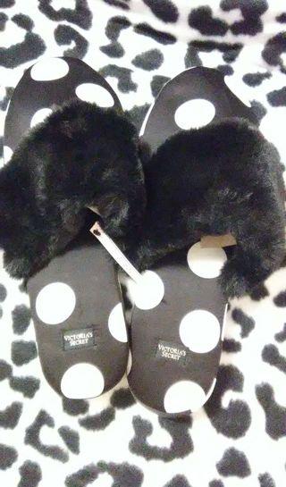 Victoria's Secret Polka Dots Satin Signature Slipper M 7-8*