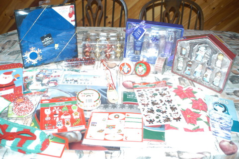 *~~*Christmas Auction!! Gifts, Decorations, Supplies YOU GET IT ALL!! *~~*