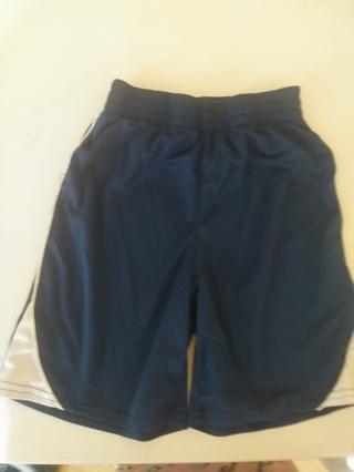 Boys shorts, size M-(8)