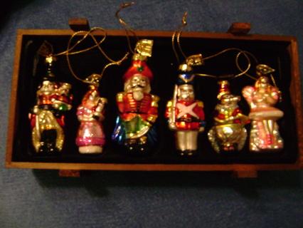 FREE: Thomas Pacconi Classic Glass Christmas Ornaments - Free: Thomas Pacconi Classic Glass Christmas Ornaments - Christmas
