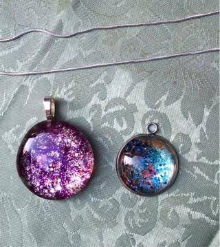 2 painted glass gems