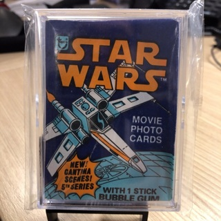 Star Wars Topps 1977 trading card unopened pack