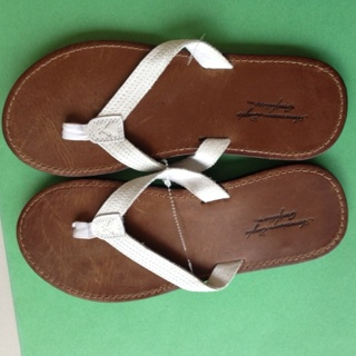 SEXY Summer American Eagle Flip Flops Size 7. Brand NEW!