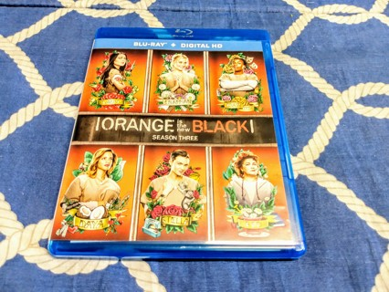 Orange is the New Black - 3 disc Blu Ray set - Lesbian prison series - season 3