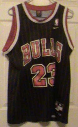 huge discount 22dd0 86bae Free: Nike Michael Jordan Chicago Bulls Jersey Red / Black M ...