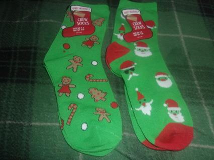Ho-Ho-Ho! Women's Christmas Theme Crew Socks (2 Pr)