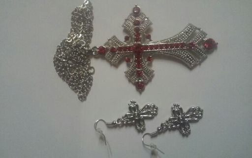 Cross Necklace with matching Earrings. NEW