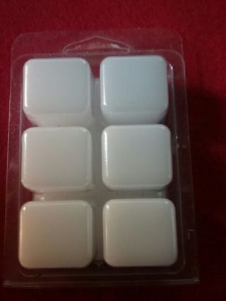 Peppermint scent wax cubes