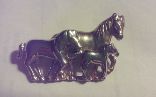 VTG 80's Family of Horses Brooch