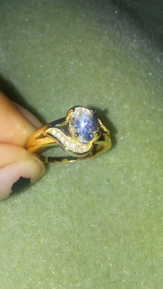 18k gold diamond ring.